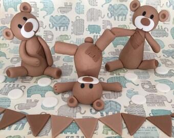 3 fondant bears