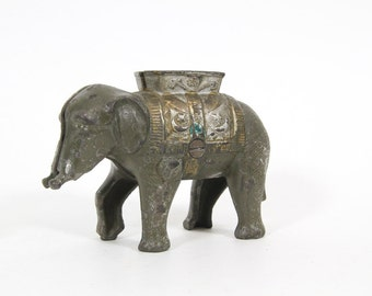 Vintage Cast Iron Elephant Bank, Coin Bank, AC Williams Still Bank