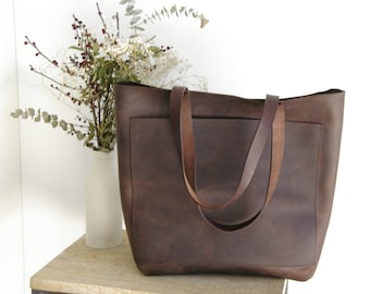 """Larger Dark Brown Leather tote bag with big outside pocket. """"Cabas Illa Roja"""". Handmade."""