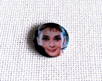 Audrey Hepburn as Holly Golightly / Breakfast at Tiffany's / 25mm Badge