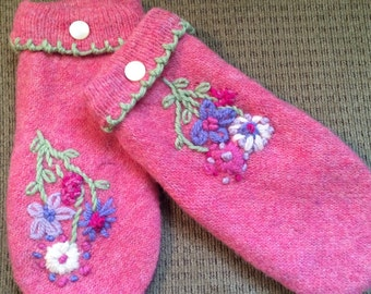 A4   Felted wool mittens   Lined with fleece size small