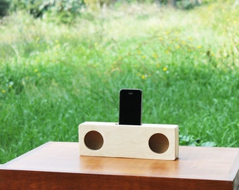 IPhone wood speaker. Handmade Passive speaker. Docking station Iphone. Acoustic speaker. Iphone speaker. Iphone Amplifier.