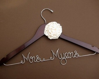 Custom Wedding Hanger | Bridesmaid gift | Bridal Hanger | Bridal Shower Gift | Bridal Party | Maid of Honor | Graduation Gift |
