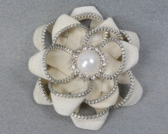 White Flower Pin - Upcycled - Recycled - Repurposed - Flower Brooch - Zipper Brooch - Zipper Pin - Zipper Flower - Flower Pin - Jewelry