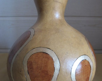 original vase in numb water-bottle
