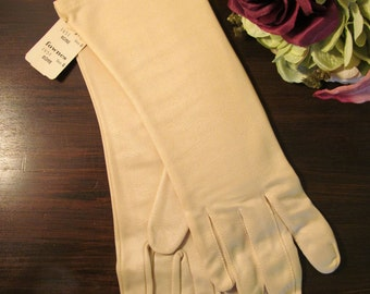 Vintage 1960's Fownes Ladies Gloves / NOS Bone Colored Women's Dress Gloves / Size 8 Nylon Gloves / Faux Leather Gloves