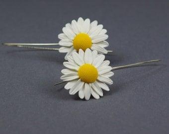 Daisy earrings - polymer clay flower jewelry