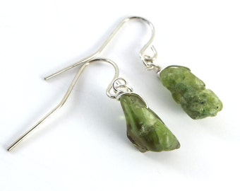 Raw Peridot Simple Earrings