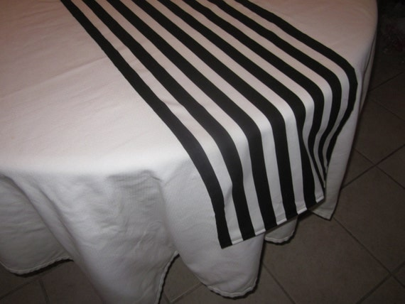 Chemin de table ray noir et blanc halloween par delightfulsewnsew - Chemin de table noir et blanc ...