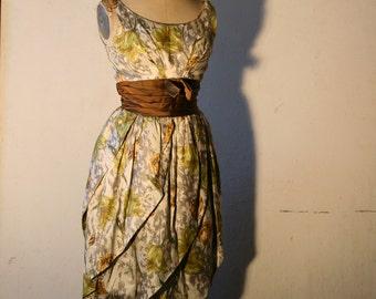 Beautiful Vintage Hand made dress- amazing details, Size 36