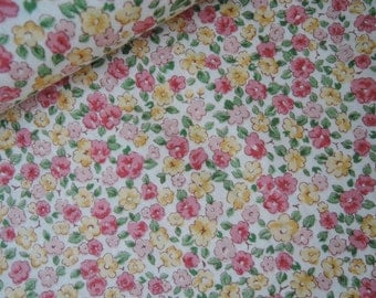 "Fat Quarter of Tiny Floral on Cream Background by Cosmo Textile. Made in Japan Approx. 18"" x 22"""