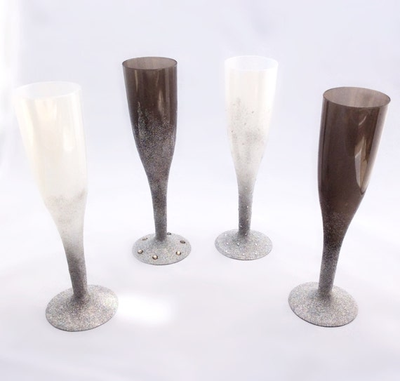 Bachelorette Party plastic glitter champagne glass/flute (single)