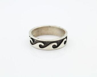 Mens Silver Tribal Wave Ring Size 11 SOLID STERLING SILVER. [6691]