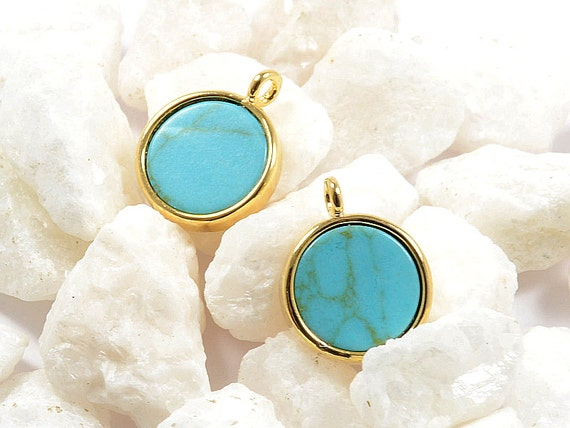 Turquoise Gemstone Charm/ Round Coin Pendant with Turquoise in Anti-tarnish Gold Plating  - 2 pcs/ order