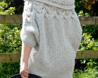 Oversize Shrug, Bolero, Knitting Pattern PDF, Oversized Cardigan, One Size , Grey Cardigan, Plus Size, Chunky,Two ways to wear Cardigan