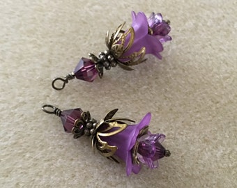 Vintage Lucite Flower Earrings