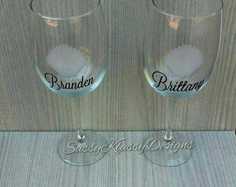 Personalized Beach Wine Glasses// SeaShell Wine Glasses// Beach Wedding// Gift
