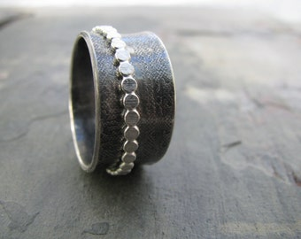 Textured sterling silver spinner ring, oxidized sterling, dots spinner, wide band ring, hand forged, bohemian jewelry, blackened silver