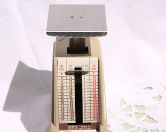 Vintage Postal Letter Scale, Pelouze Petit Postal Scale, 1 lb postal weight watcher, vintage home office equipment, Made in USA