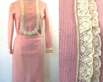 Vintage 1960s Mod Pastel Pink with Lace and Covered Button Details, Size 6, Small