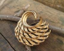 vintage gold tone monet modern spiral style curl brooch
