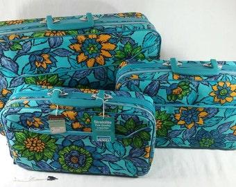NOS Vintage unused retro blue green flower soft suitcase set of 3 locking bags stratolite Montgomery ward's