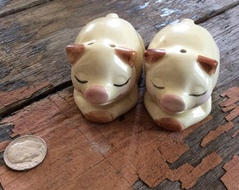 Vintage Antique Estate Made in Japan Pig Salt and Pepper Shakers Rustic Country Farmhouse Kitchen