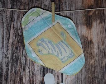 9.5″ Medium Pad – Regular to Moderate Flow – Baby Zebra