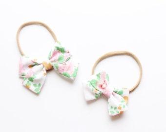 White spring floral elizabeth bow