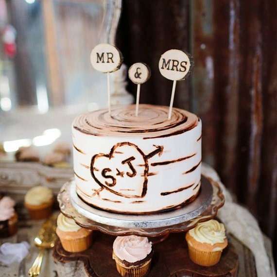 Rustic Wedding Cake Topper // Mr & Mrs Tree Slice Wedding Cake Topper