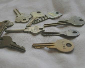 Old Door Keys Large Holes Jewelry Making Keys Round Keys