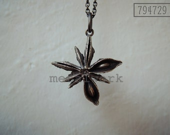 MW P1060 The 925 Silver Star Anise Pendant