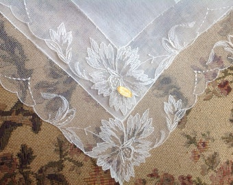 VINTAGE LACE HANDKERCHIEF. Lace - Embroidered Net Lace. New with sticker. Wedding handkerchief.
