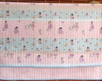 Belle and Boo quilt in pretty pastel colours