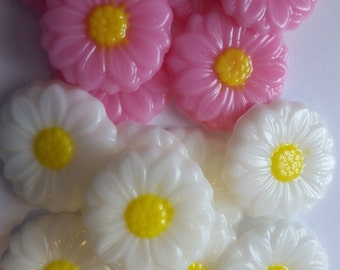 Gerber Daisy Soap Party Favors - Daisies Bridal Shower Wedding Scented Guest Soaps Spring Garden Party Engagement   Pack of 25