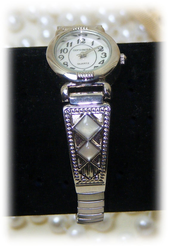 Mother Of Pearl Silver Tone LADIES WATCH . . Never Worn