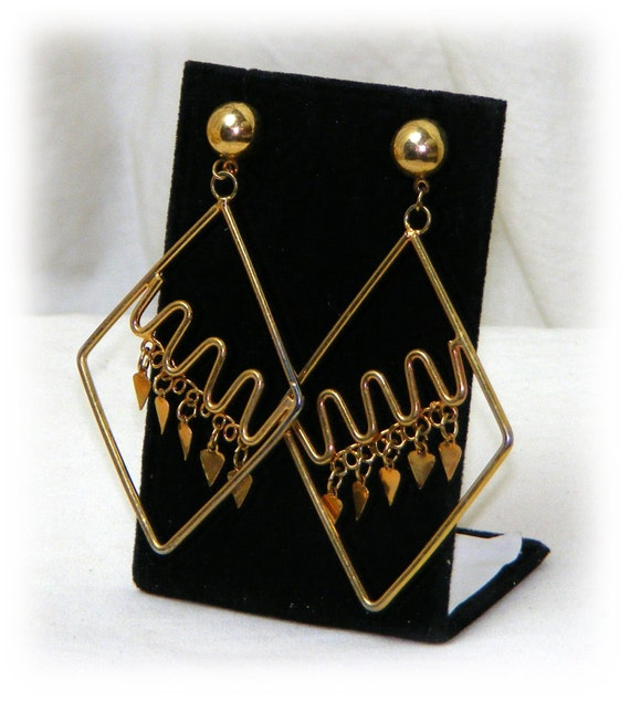 Great Dangle Earrings . . Never Worn