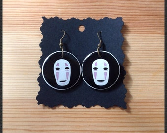 Earrings hand-painted on wood, Senzavolto No face, 3 cm diameter