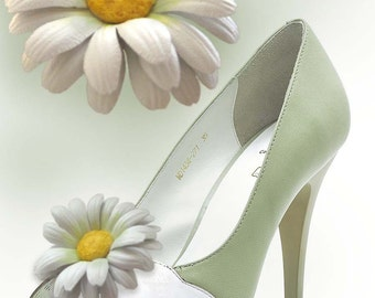 Decoration for shoes, Brooch Shoes White daisy , Shoe Clips, leather flowers handmade, leather accessories, gift for her. Make to order