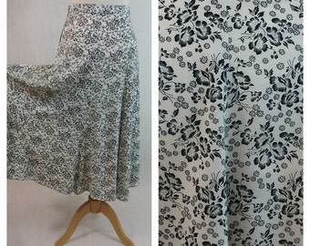 80s vintage midi skirt. White and black floral print. Size XS - S.