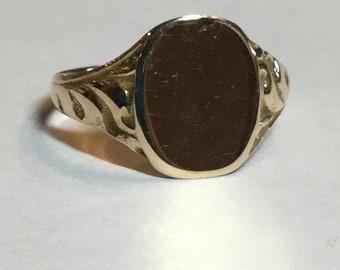 Vintage 10k Yellow Gold Signet Ring With Scroll Work