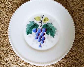 Westmoreland Milk Glass Beaded Edge Hand Painted Grapes Fruit LARGE Luncheon Plate 8.5""