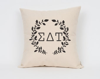 Sigma Delta Tau Wreath Pillow // Choose Your Ink Color // Greek Letter Pillows // Sorority Pillow // Big Little Gift // Sorority Letters