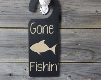 door knob hanger,gone fishin, gone fishing,chalkboard,door sign,sign,hanging,custom chalkboard,personlized chalkboard,room name