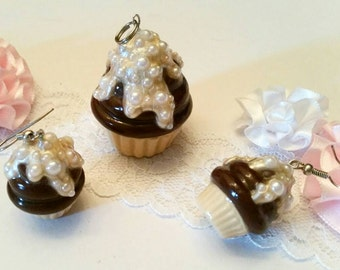 Cupcake earrings and pendant
