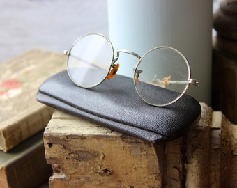 Spectacular vintage wire rim spectacles!