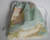 Pouch-sized drawstring bags in teflon-coated world map fabric