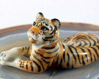 Tiger - handpainted porcelain figurine  - 1708