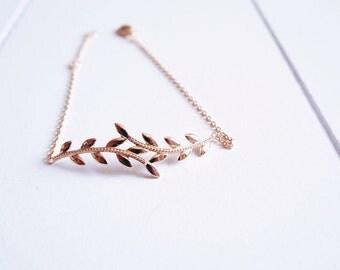 Leaf bracelet gold plated Laurel 750 - thin chain - gold plated bangle 18 k