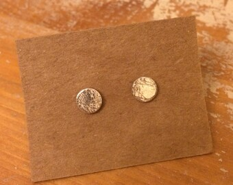 Solid silver thread embossed stud earrings
